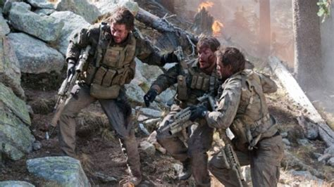 """Review: """"Lone Survivor"""" a True Story of Courage – The Siskiyou"""