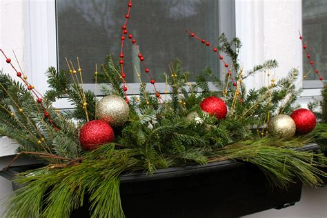 Holiday Window Boxes - The 2 Seasons