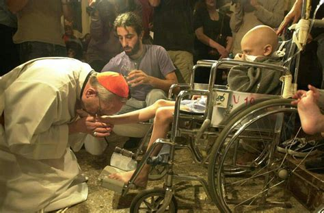 Pope will wash feet of elderly and disabled