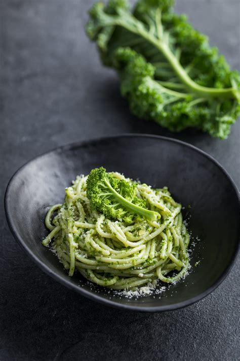 Kale Pasta: How to Make a Delightful Sauce With Kale or