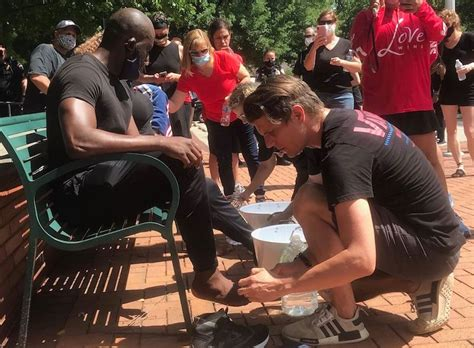 Christians, NC Mayor and Police Came Together for Feet
